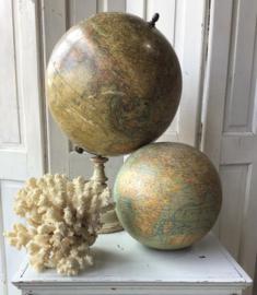 Antieke globe, Parijs