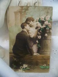 Man en vrouw met bloemen
