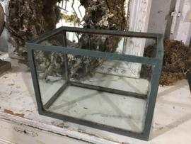 Oude glazen accubak