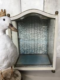 Prachtig brocant vitrinekastje of kapelletje