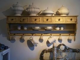 Oud keukenrek met laatjes!