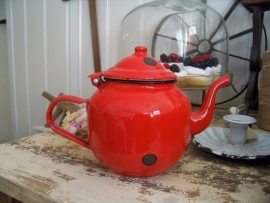 Rood emaille koffiepotje
