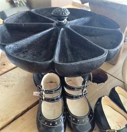 Oude spijkerschaal/spijkercarroussel