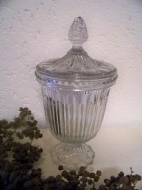 Brocante bokaal van glas, met deksel