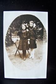 Foto van twee zusjes