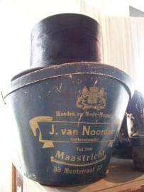 Hoedendoos uit Maastricht!