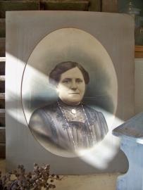 Portretfoto van een statige dame