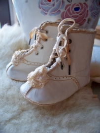 Lieve oude babyschoentjes