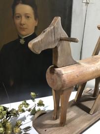 Oud houten paard