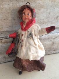 Oud wattenpopje, een kleine dame...