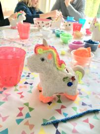 Knutselpakket * Foam Clay spaarpot-unicorn alias eenhoorn! * vanaf 6 kids