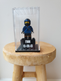 Ninjago Jay met 2x4 blokje en display maat L