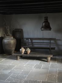 Oude houten bank Aura Peeperkorn