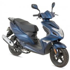 AGM R8 - Blauw (Euro 4)