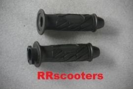 VOM - handvat set (zwart) (uni voor 21-22 mm. stuur) (VAK V-1)