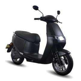 AGM cooter (E2) - (mat zwart)