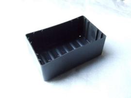 2 - zwart kunststof accubak (VAK C-40)