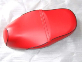 VOM Bella Milano - zadel (kleur: rood) met zwarte bies zonder logo, compleet met rugkussen !!!