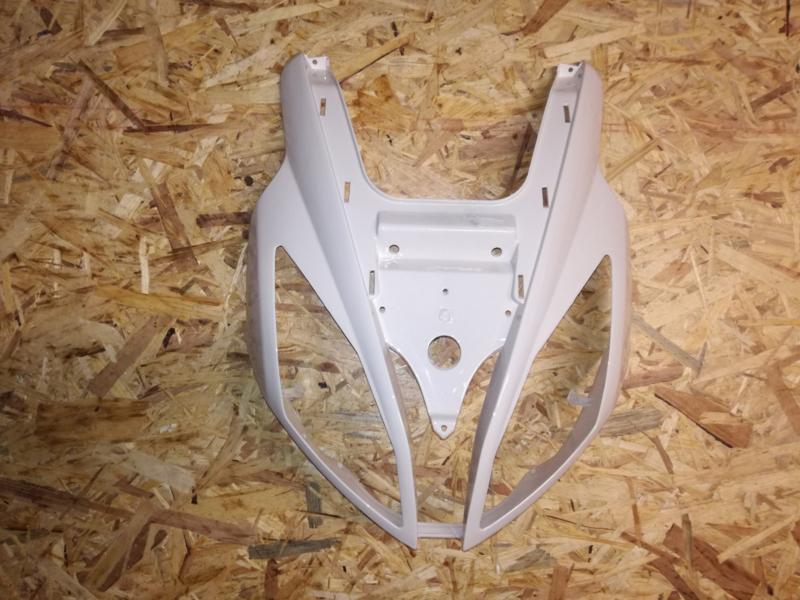 VOM - Xrace/F22 - Voorkap - Creme/Wit - (VAK Z-60.02)