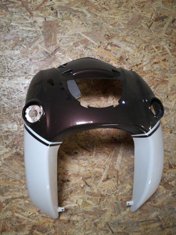 5 - Retro - kappenset, voorfront/voorkap, grote grille, kleur: donker bruin/creme