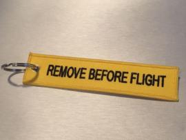 Remove Before Flight Sleutelhanger Geel