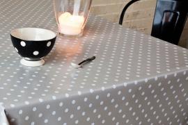 150-042 grijs wit stippen tafelzeil