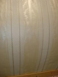 behang creme goud streepjes  8