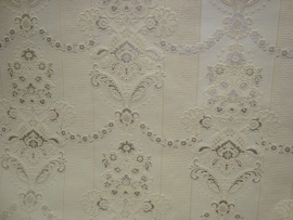 lambrisering bloemen glitter wit zilver roze bloemen behang 48