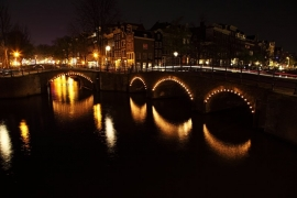 Fotobehang - Amsterdam Bridge by night