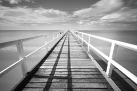 Fotobehang - Zwart wit - Steiger aan zee