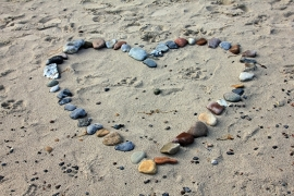 Fotobehang - Wellness - Hart in zand  - Heart in sand