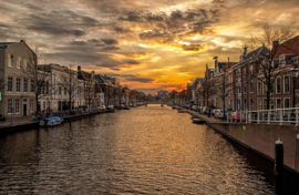 Fotobehang - Leiden - kanaal