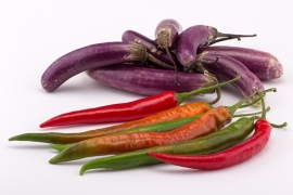 Fotobehang - Eten - Pepers & Aubergine - Peppers & Eggplant