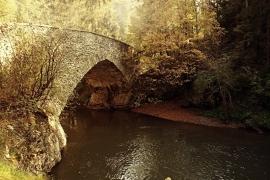 Fotobehang - Natuur - Oude Stenen Brug - Old Stonebridge