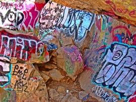 Schilderijbehang met Graffiti - Rocks