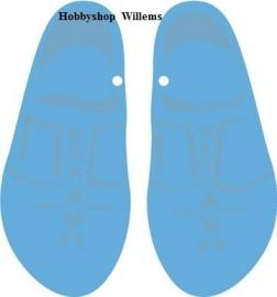 Marianne   design creatable   LR0210  Wooden shoes etz. in onze winkel aanwezig .