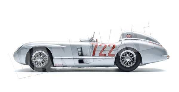 Raceauto grijs