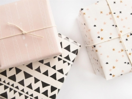 Wrapping paper | Arrows & triangles