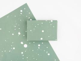 Dreamkey x Mevr. Knot X-mas | Inpakpapier Green Spots