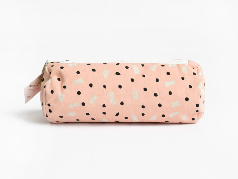 Pencil case | Pink dots