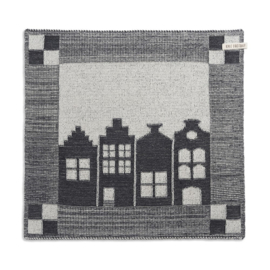 Knitted Dutch canal house, almost black