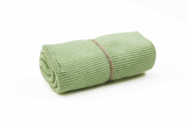 'Dusty green dark' knitted towel solwang