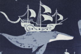 'Fantasy whale' wash bag