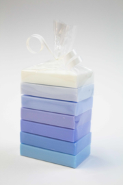 Guest soaps, blue/white