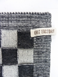 Black checked towel, Knitted