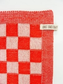 Red checked towel, Knitted