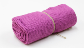 'Fuchsia' knitted towel solwang