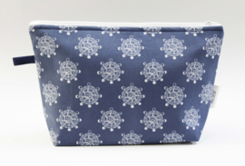 'Steering wheel' wash bag