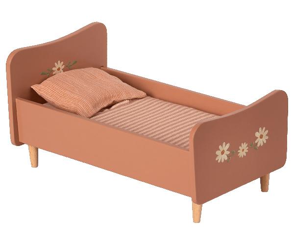 Wooden bed Maileg, pink