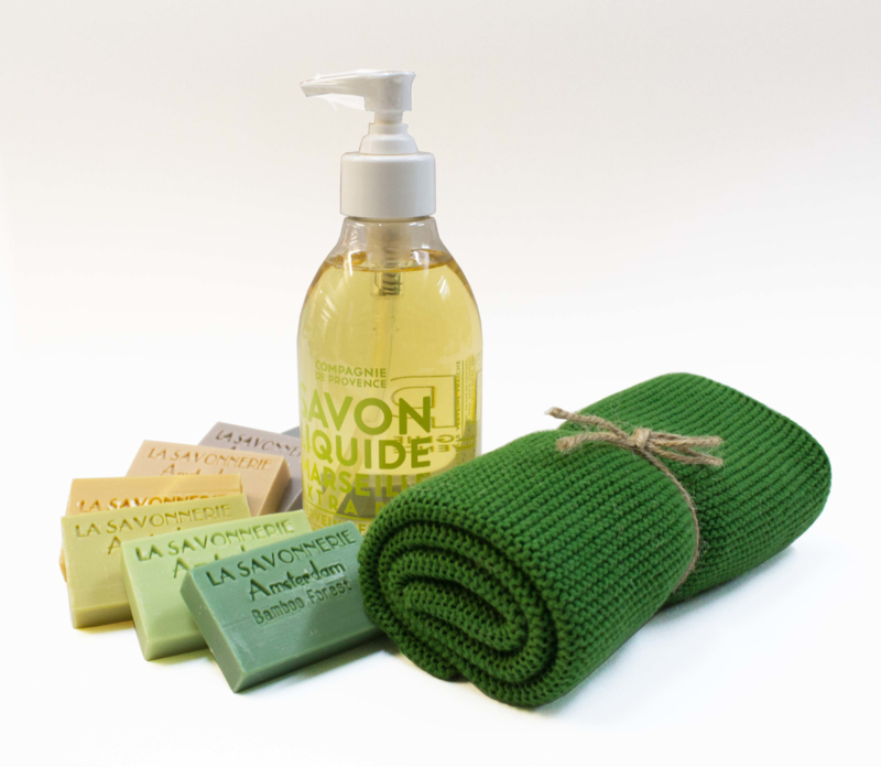 Gift set with handwash & towel